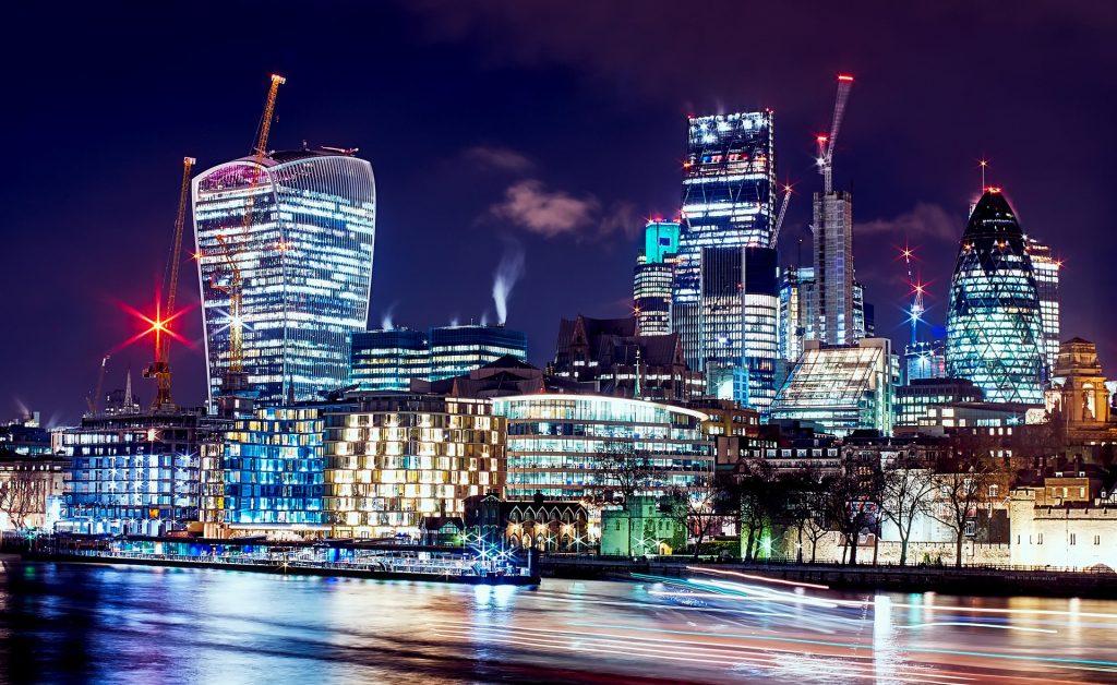 David Mark - Pixabay/ Londyn - Nieruchomości - najbogatsi je kochają