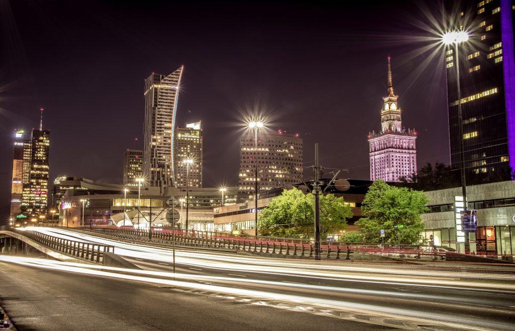 Taras widokowy PKiN znów otwarty - centrum Warszawy wieżowce